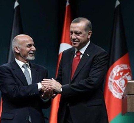 Turkey's President Recep Tayyip Erdogan, right, and his Afghan counterpart Ashraf Ghani in Ankara, Turkey, Dec. 24, 2015. (AP Photo)